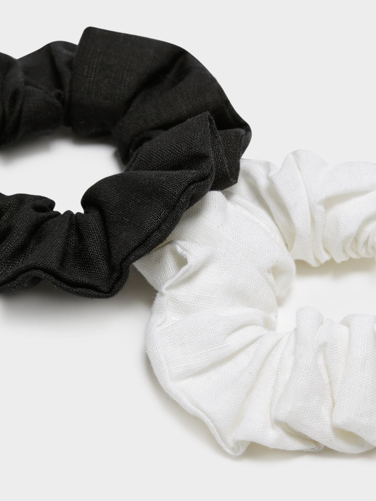 Nude Lucy Scrunchie in Black & White