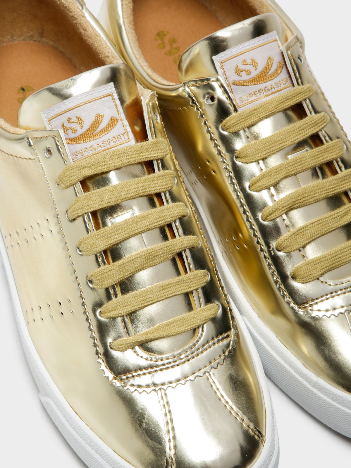 Womens 2843 Liquid Metal Sneakers in Yellow Gold