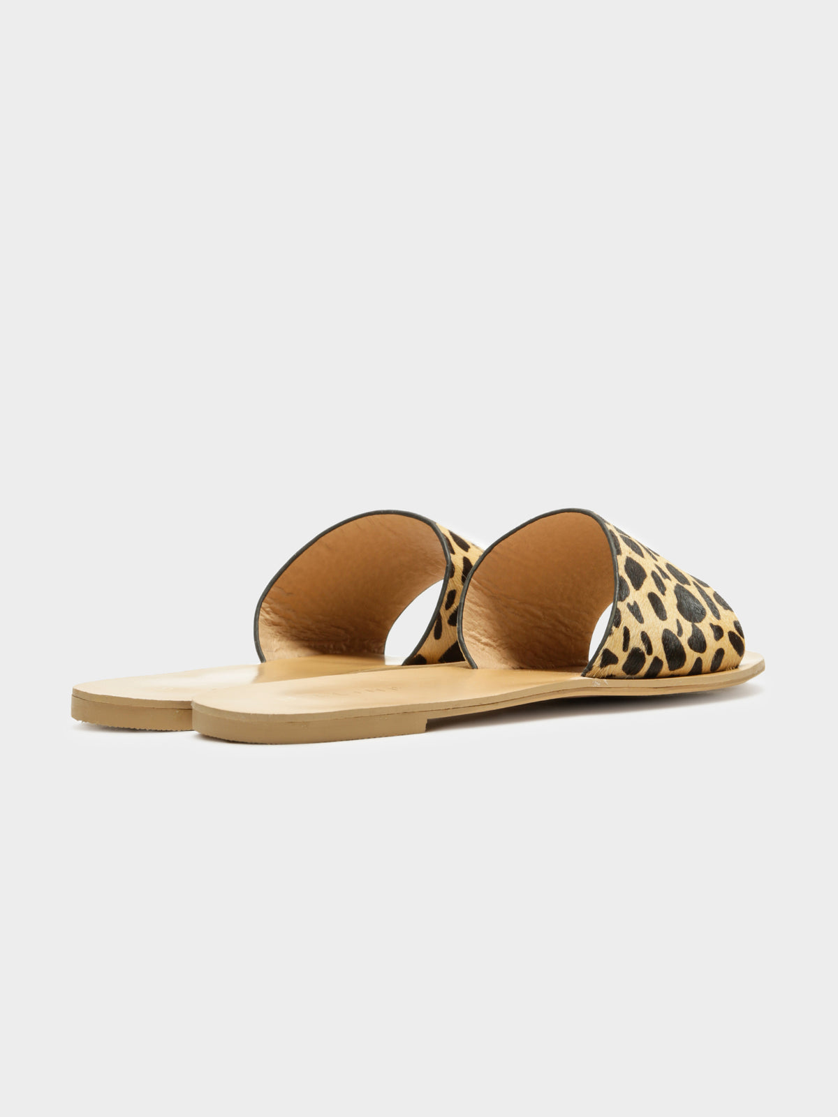 Maliah Slides in Tan Giraffe Pony