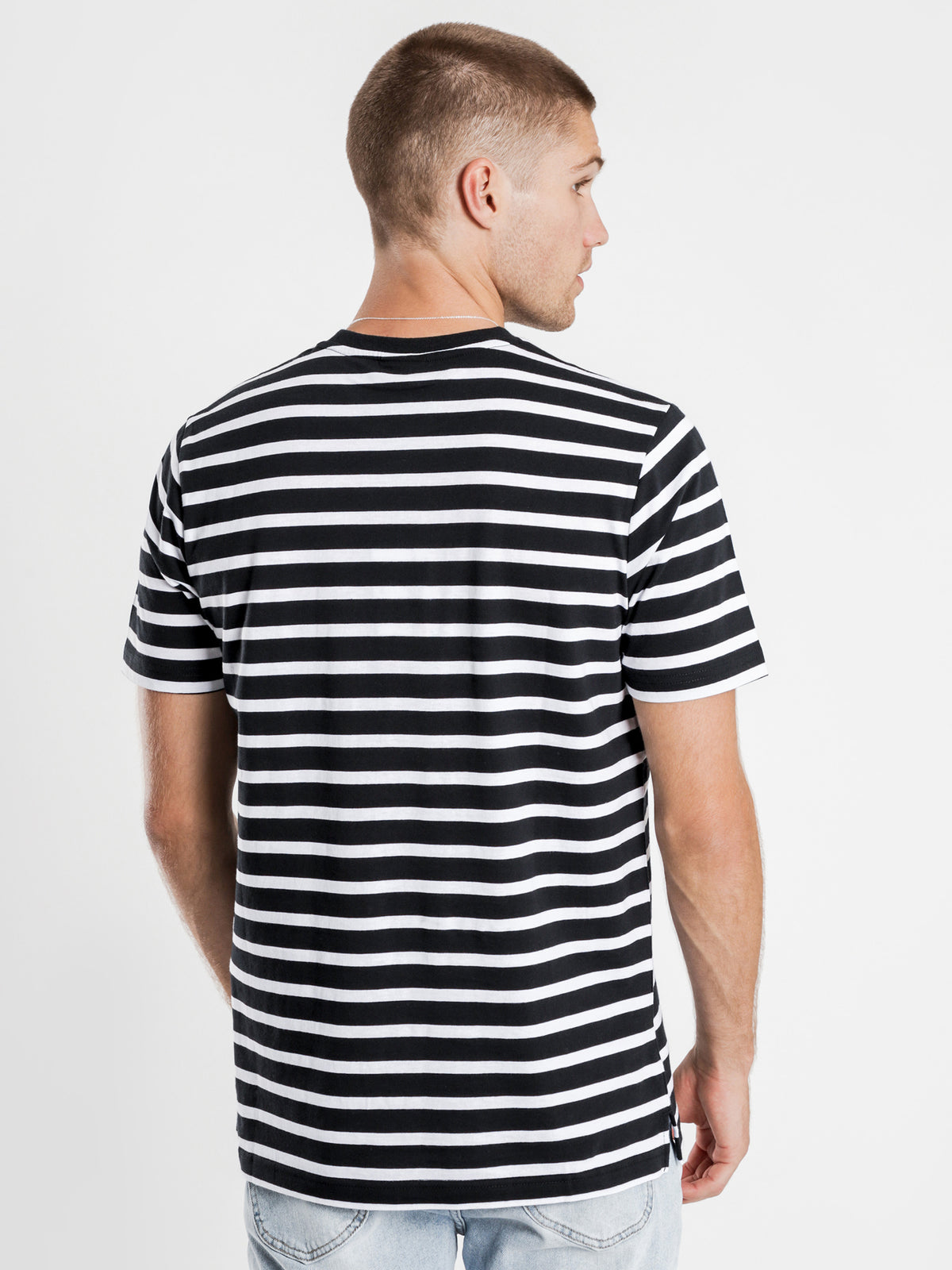 Sailo T-Shirt in White & Black