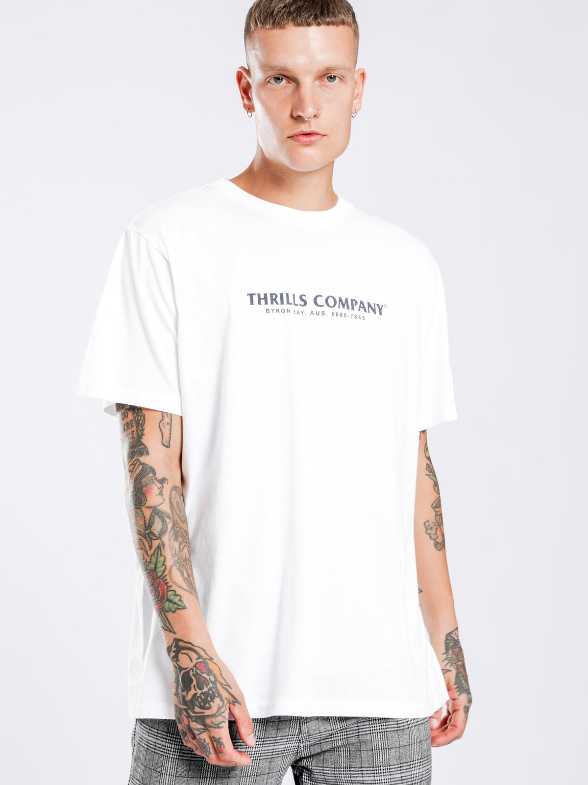 Friz Merch Fit T-Shirt in White