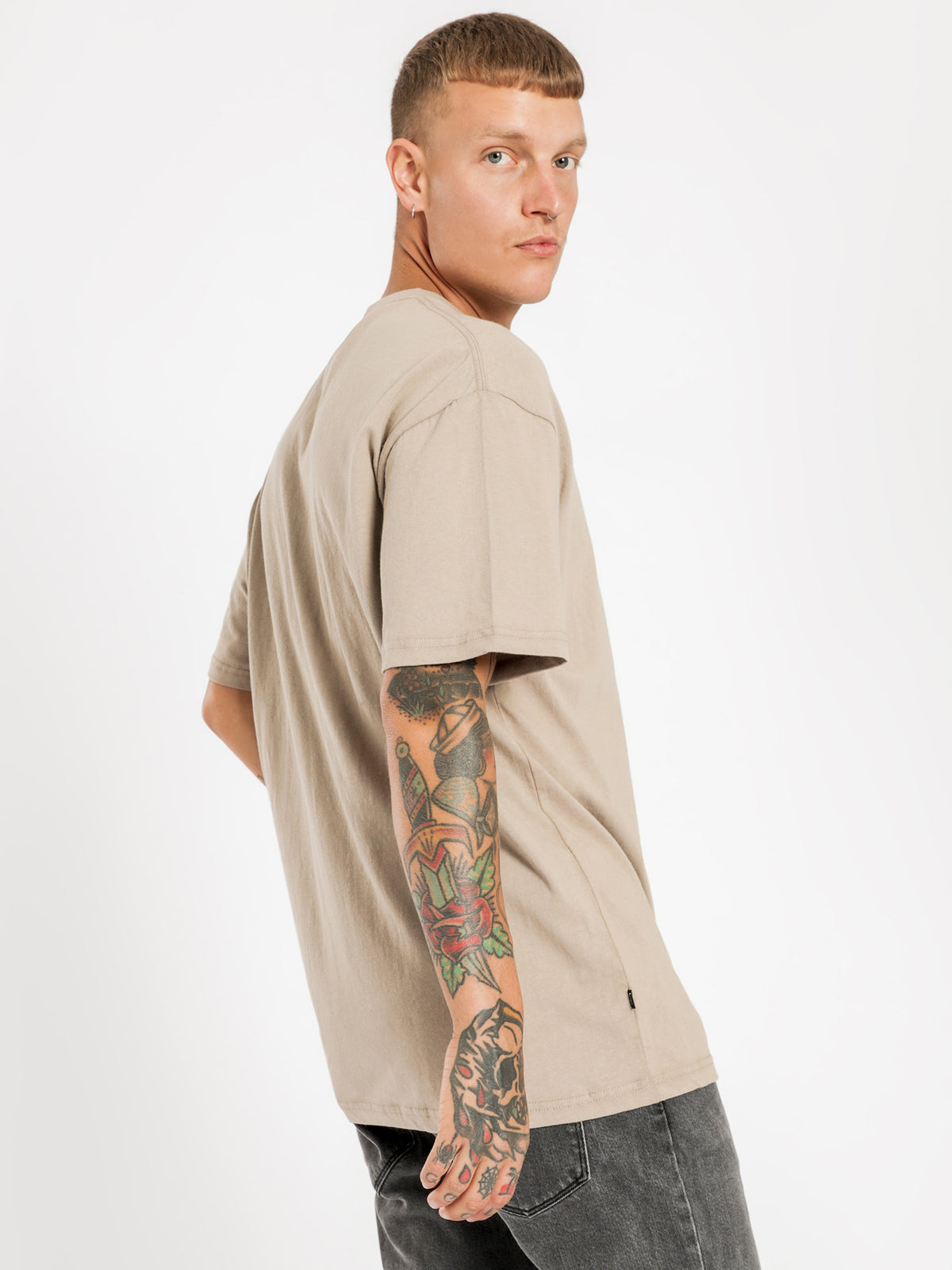 Solid Italic Short Sleeve T-Shirt in Atmosphere