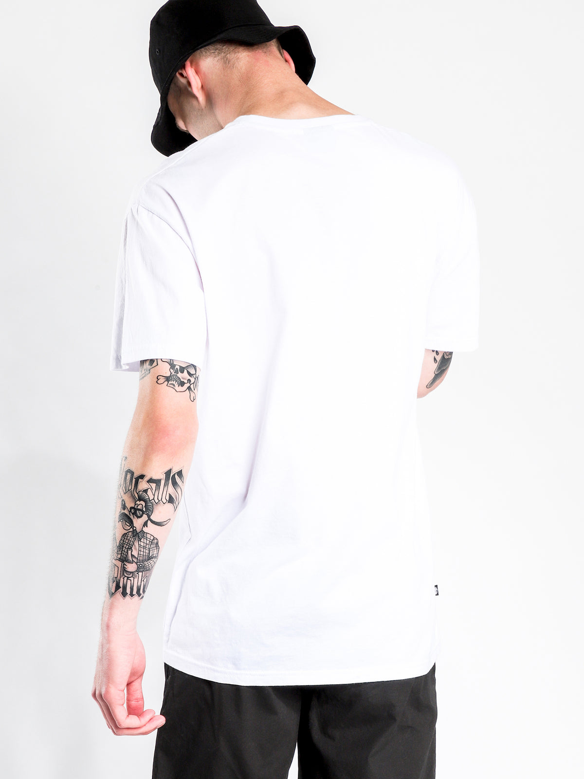Pigment Italic Short Sleeve T-Shirt in White