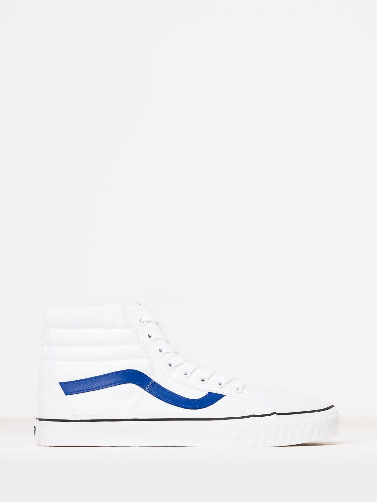 Unisex Sk8-Hi Reissue Sneakers in White & Blue