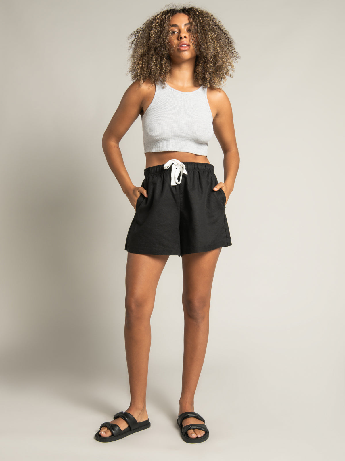 Nude Classic Shorts in Black