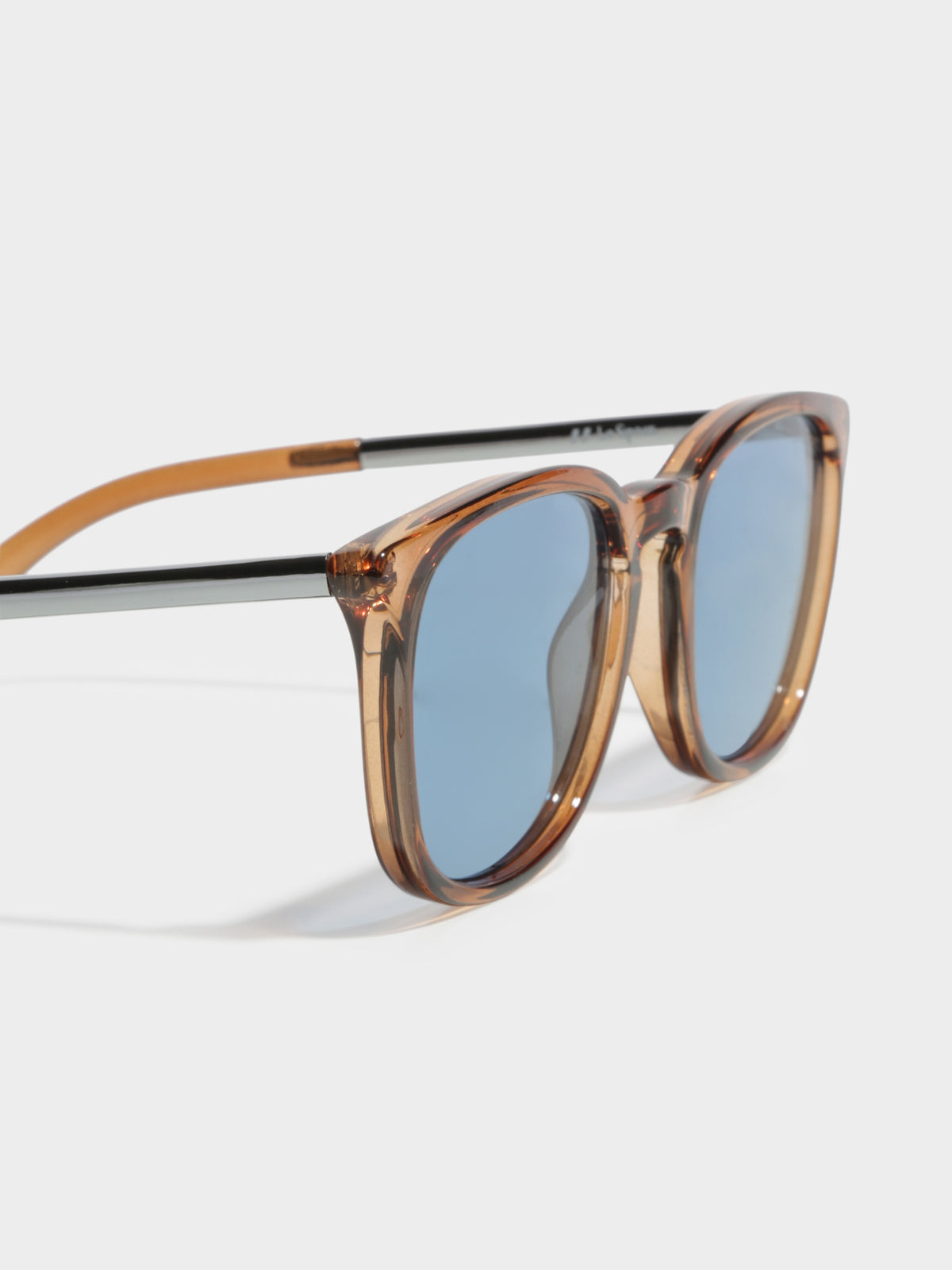 Rebeller Sunglasses in Brown
