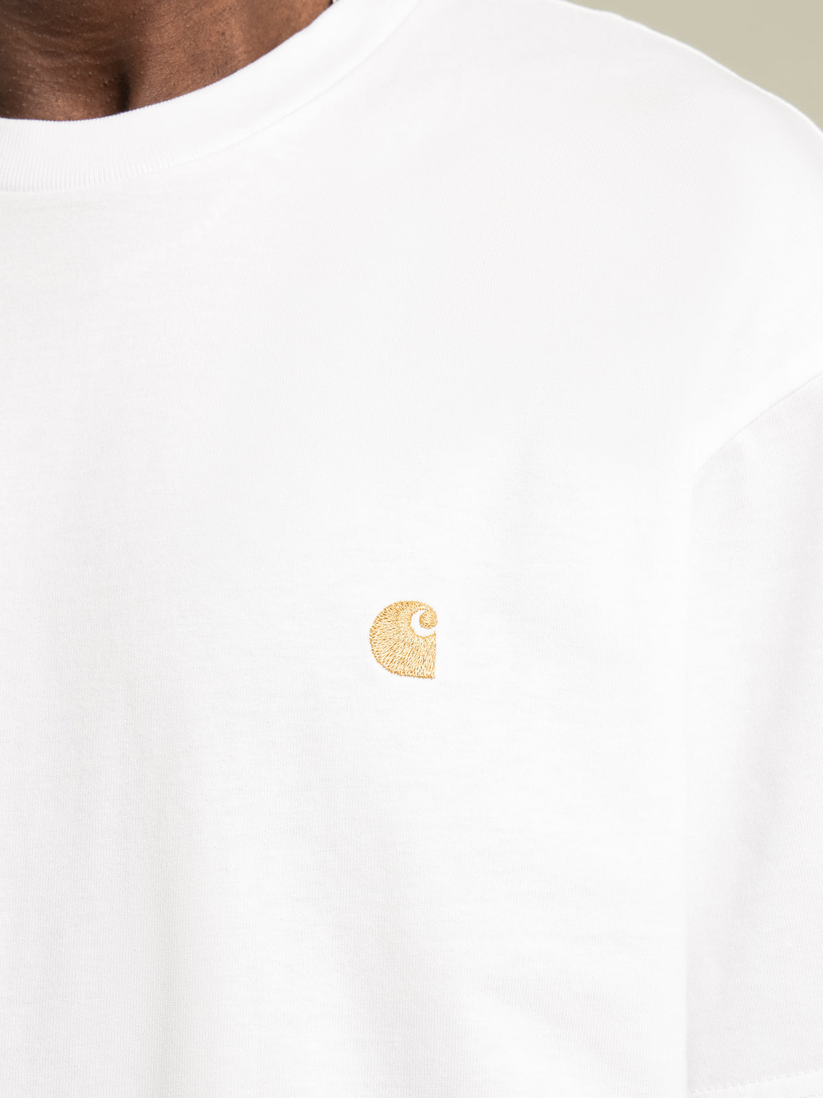 Short Sleeve Chase T-Shirt in White & Gold