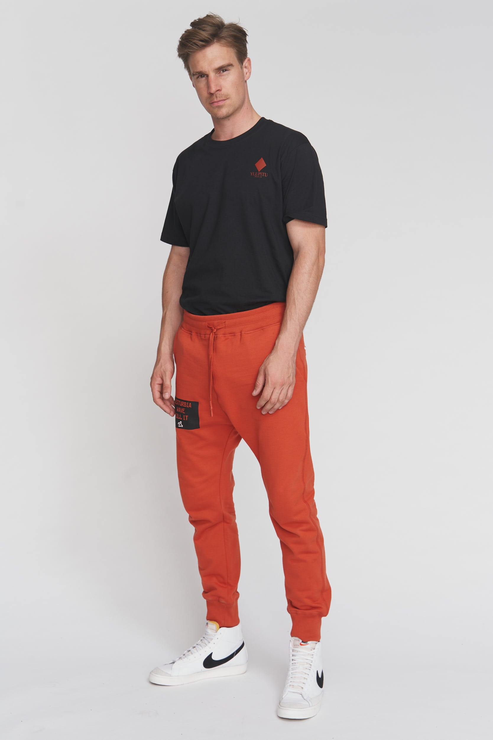 RED DISTURBIA WAVE SWEAT PANT