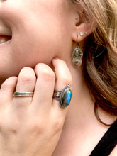 Load image into Gallery viewer, Ornate Labradorite & Abalone Ring in Sterling Silver