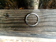 Load image into Gallery viewer, Delicate Möbius Ring in Sterling Silver