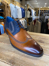 Load image into Gallery viewer, Azor Missori burnished chestnut and blue brogue from Gere Menswear