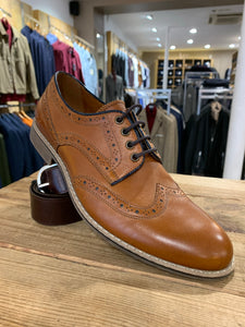 Lacuzzo tan brogues with navy detail from Gere Menswear