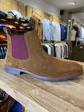 Load image into Gallery viewer, Azor brown suede boot with plum inserts from Gere Menswear (side view)
