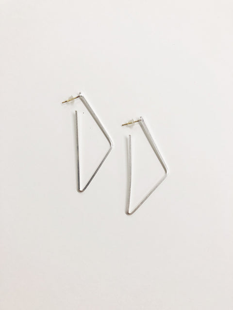 Looking Shapely Earring - Silver