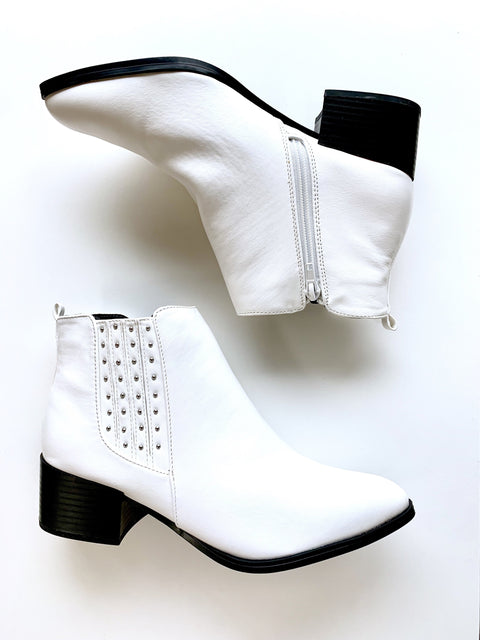 Finding Your Stud Bootie - White