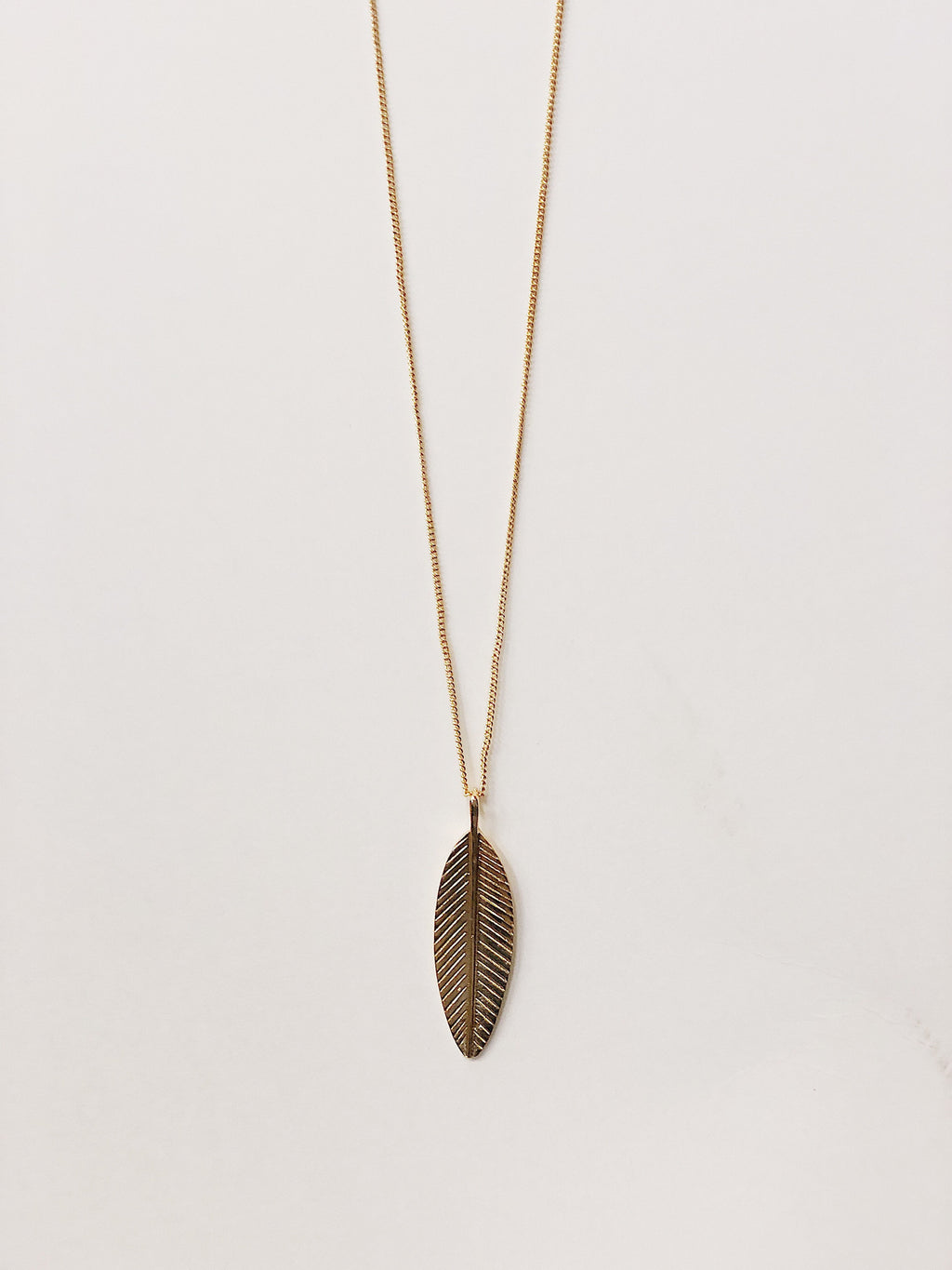 Feeling Feathers Necklace (Gold)