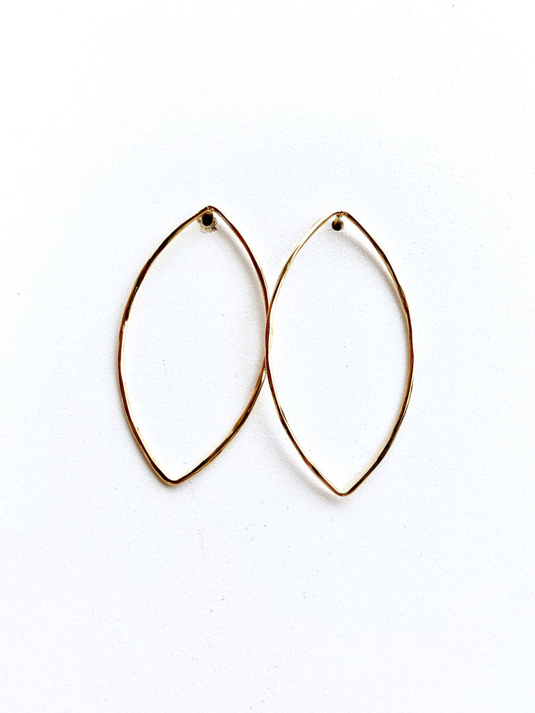 14k Front Facing Swoop Earring - Gold