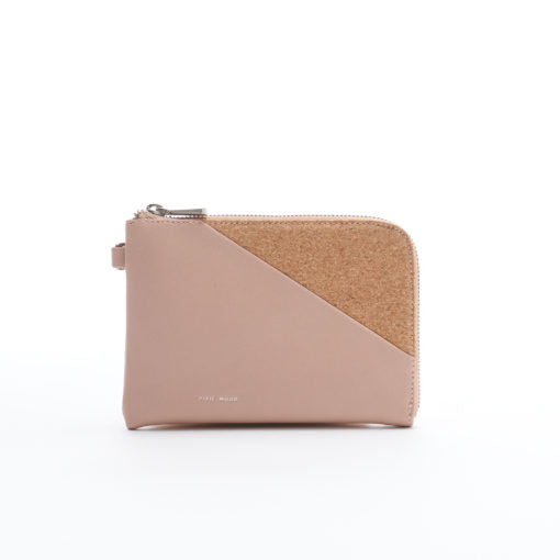 Stacy Wristlet – Tan