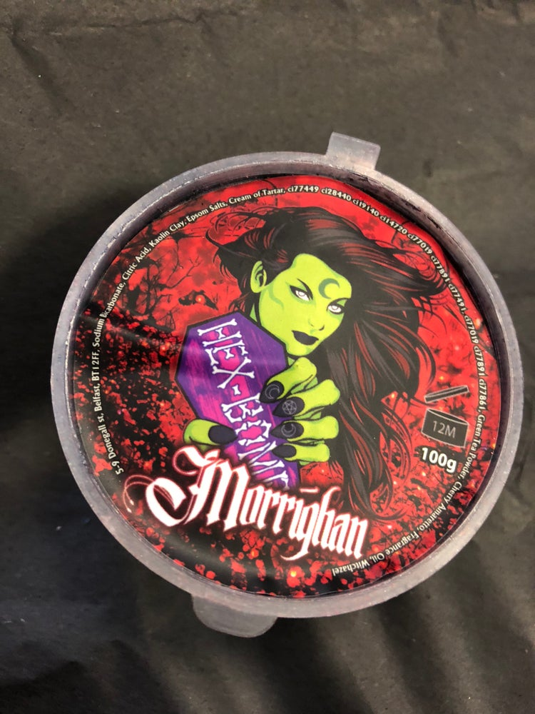 Morrighan Red&Black Metallic Bath Bomb with Single Use Soap