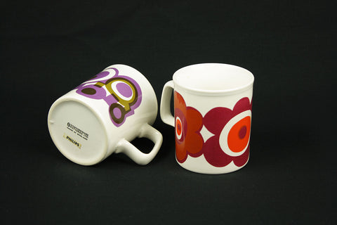 Two Staffordshire Potteries mugs with 70s décor