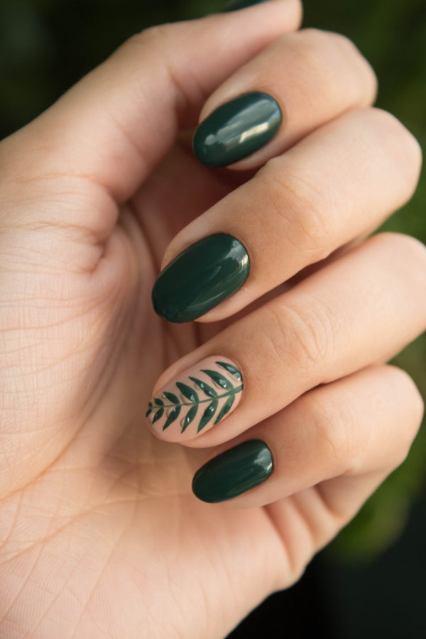 The 5 Best Christmas Nail Art Ideas