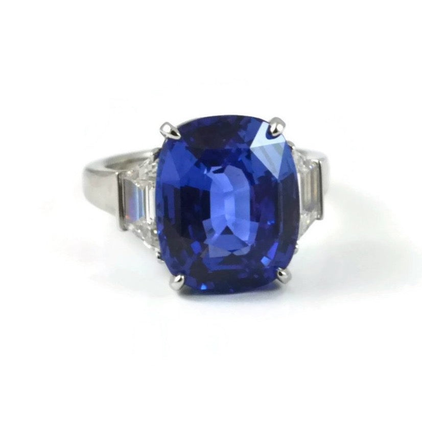 AF Jewelers One of a kind Ring with Certified Natural not-heated Ceylon Sapphire and Diamonds, Platinum.