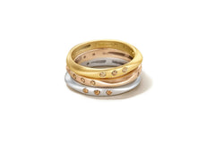 "Sandy Leong ""Halo"" Ring, Diamonds 18k White Gold"