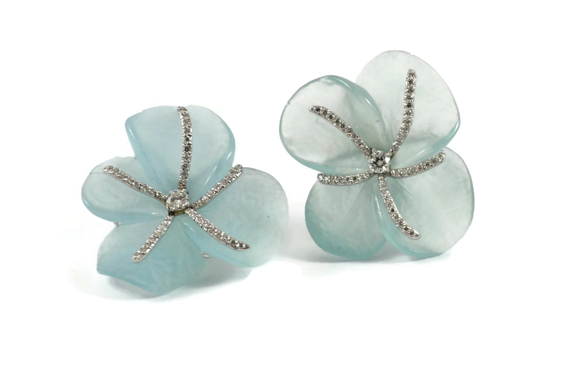 Eclat One of a Kind Aquamarine and Diamonds Earrings, 18k White Gold.