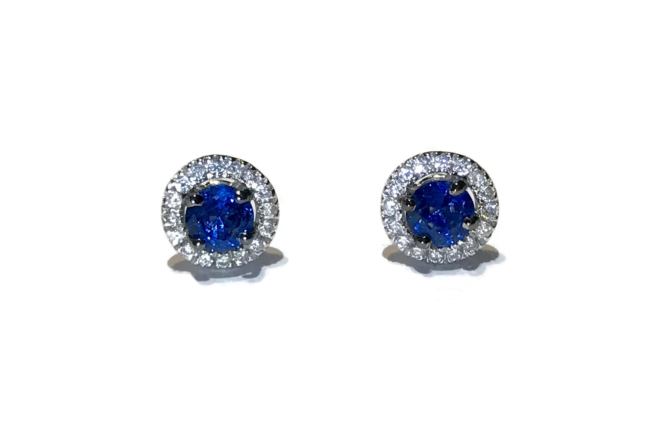 A-FURST-BOTTONI-STUD-EARRINGS-BLUE-SAPPHIRES-DIAMONDS-WHITE-GOLD-O1581B41