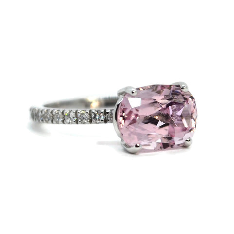 A & Furst - France - Ring with Pink Spinel and Diamonds, 18k White Gold