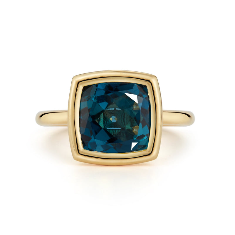 A-FURST-GAIA-MEDIUM-STACKABLE-RING-LONDON-BLUE-TOPAZ-YELLOW-GOLD-A1710GUL