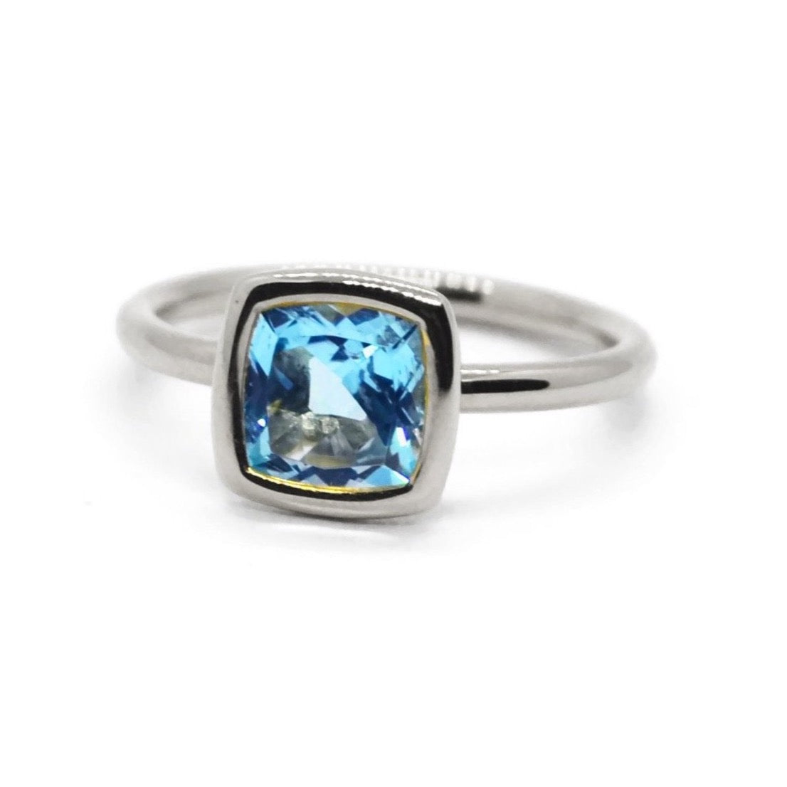 A & Furst - Gaia - Small Stackable Ring with Swiss Blue Topaz, 18k White Gold