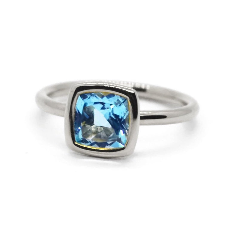 a-&-furst-gaia-small-stackable-ring-with-swiss-blue-topaz-18k-white-gold