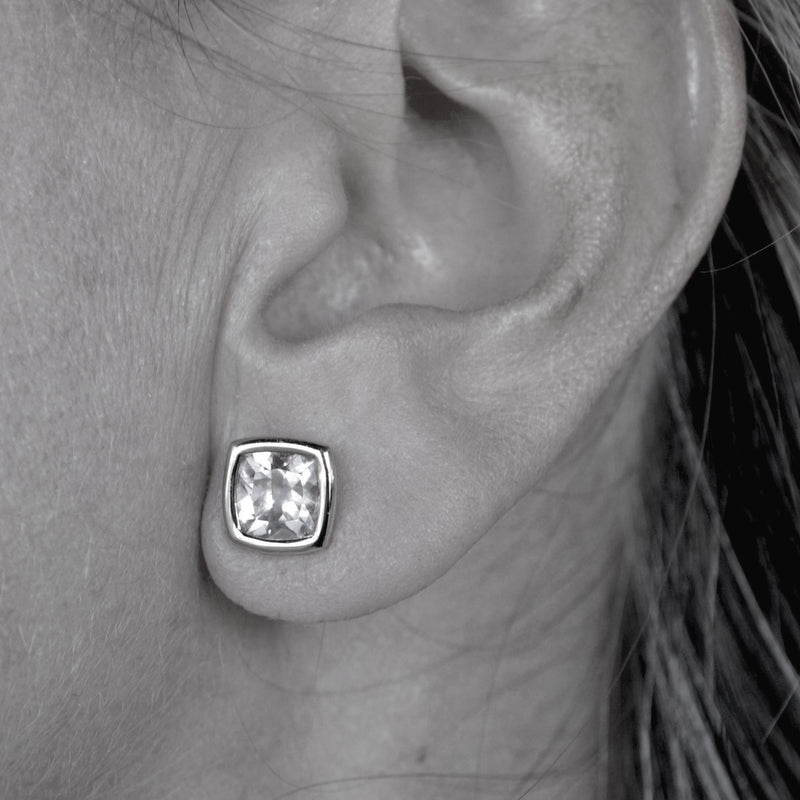 A-FURST-GAIA-STUD-EARRINGS-O1717_BW