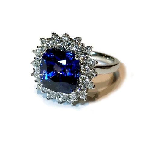 AF Jewelers One of Kind Ring with Cushion Ceylon Blue Sapphire 7.63 Ct. and Diamonds, Platinum.