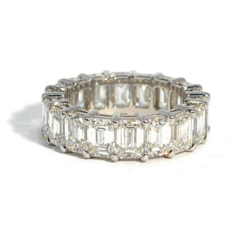 AF-JEWELERS-ETERNITY-BAND-EMERALD-CUT-DIAMONDS-PLATINUM-A91428P1-EC