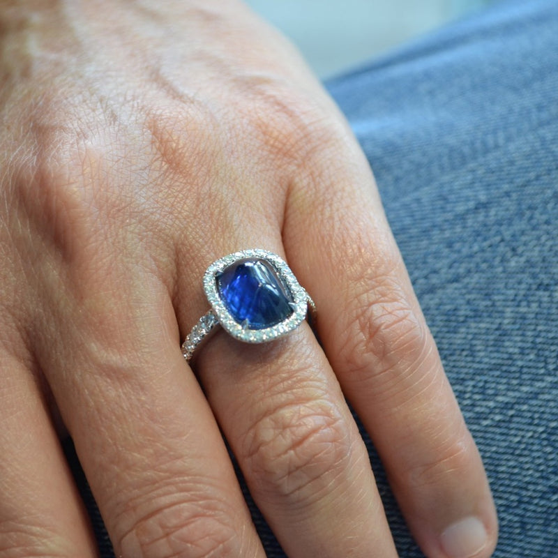 Eclat - One of a Kind Halo Ring with Cabochon Blue Sapphire Natural Color 4.83 carats and Diamonds, 18k White Gold