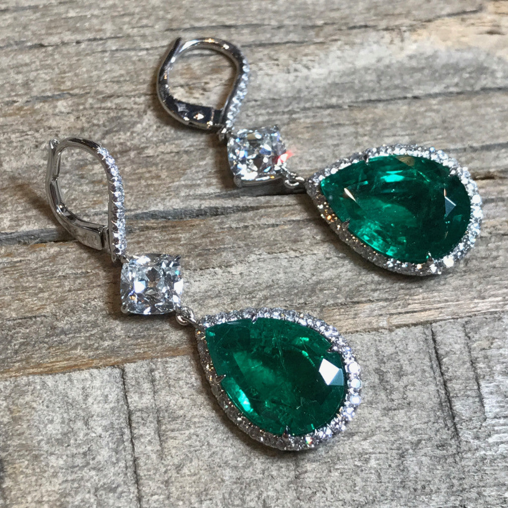 Eclat - One of a Kind Pear-shaped Colombian Emeralds and Diamonds Drop Earrings, Platinum