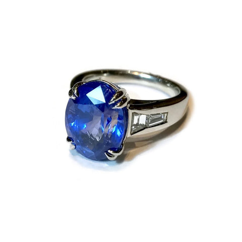 AF Jewelers One of Kind Ring with Oval Ceylon Blue Sapphire 10.22 Ct. and Diamonds, Platinum.