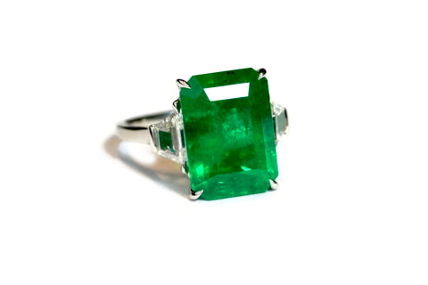"AF Jewelers ""Unique"" Ring with Octagonal Emerald and Diamonds, Platinum"