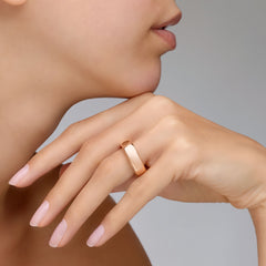 Pomellato-Iconica-Small-Band-Ring-18k-Rose-Gold