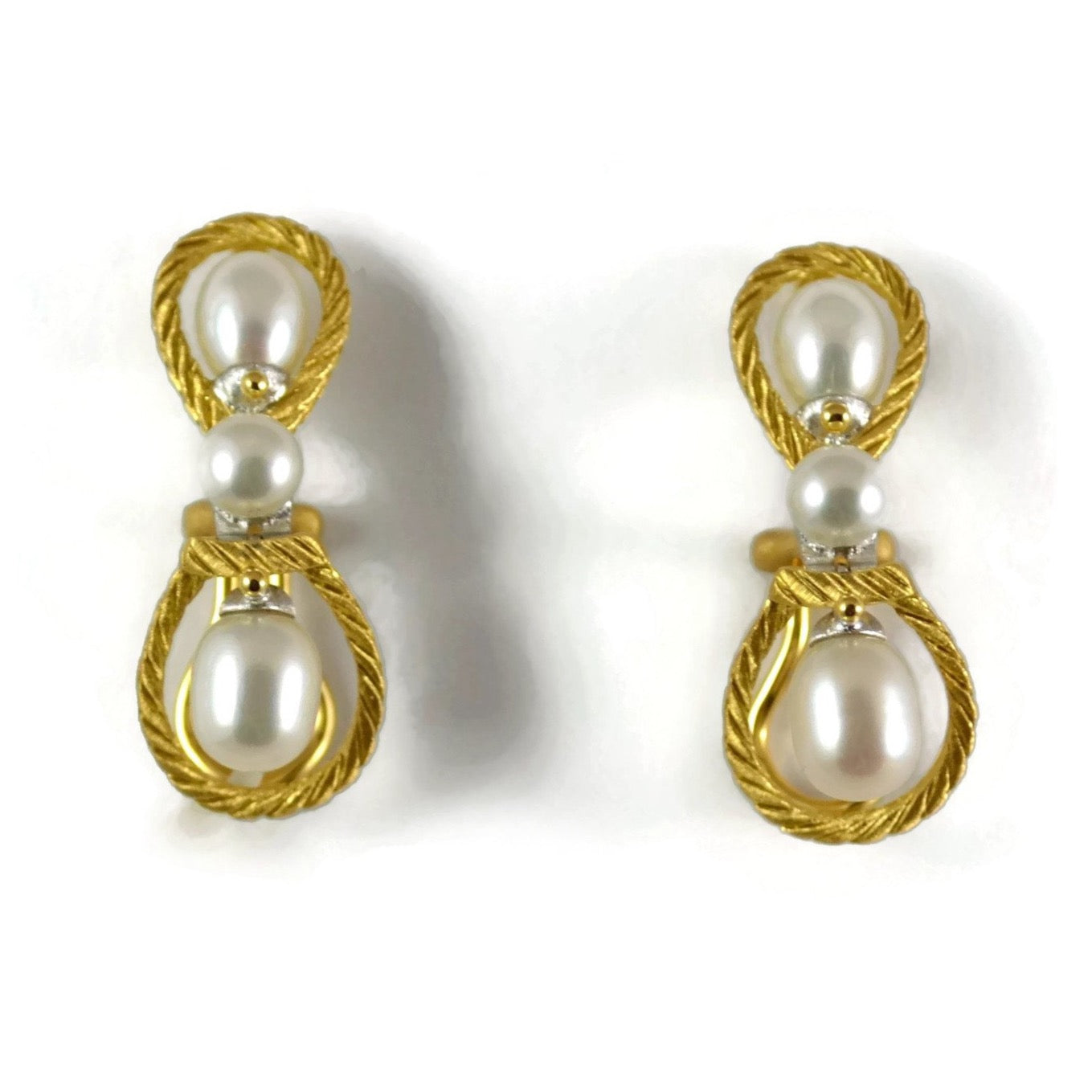 Buccellati-rete-pearls-drop-earrings-yellow-gold