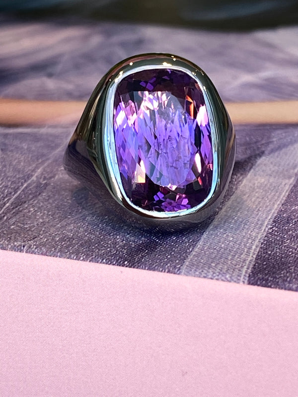 a-furst-essential-cocktail-ring-amethyst-blackaned-silver-A1950SNA