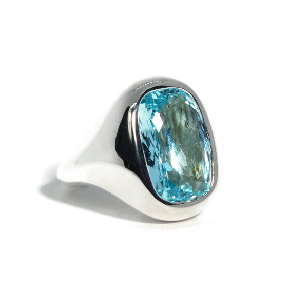 a-furst-essential-cocktail-ring-sky-blue-topaz-silver-yellow-gold-A1950SU