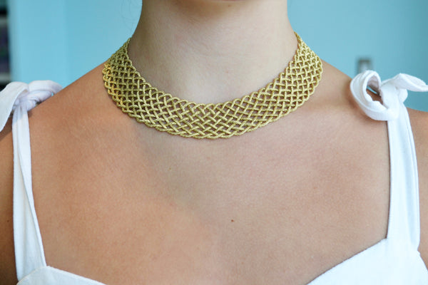 buccellati-crepe-de-chine-tapered-collar-necklace-yellow-gold-jaunec003940