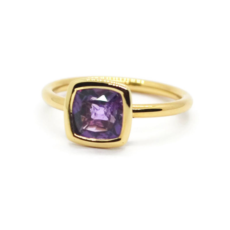 A & Furst - Gaia - Small Stackable Ring with Amethyst, 18k Yellow Gold