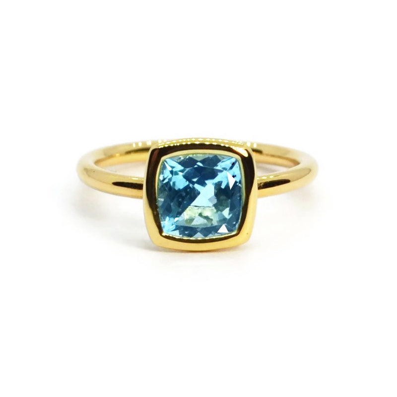 a-&-furst-gaia-small-stackable-ring-with-swiss-blue-topaz-18k-yellow-gold