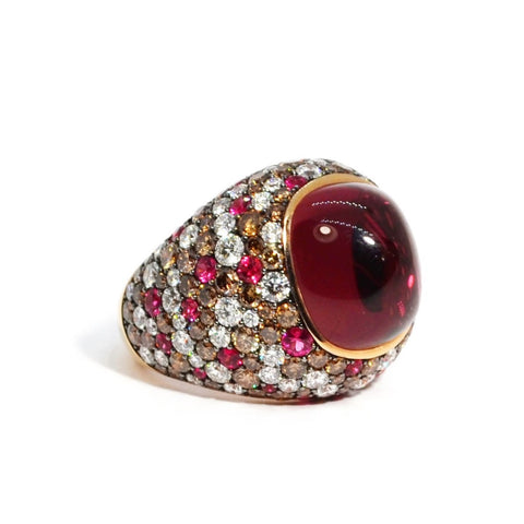 Eclat - One of a Kind Ring with Cabochon Pink Tourmaline, Diamonds and Pink Spinels, 18k Rose Gold