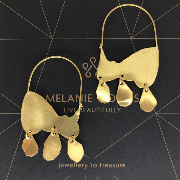 MELANIE WOODS - Loose Tassel Hoop Earrings