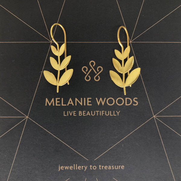 MELANIE WOODS - Leaf Drop Earrings - Gold